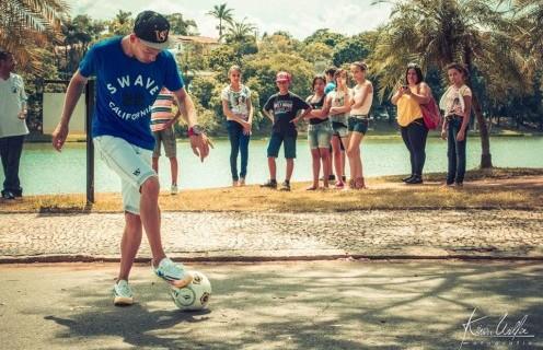O colombiano André Tapias, um dos mais importantes praticantes do futebol freestyle na América Latina