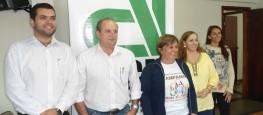 O presidente da ACIL, José Eustáquio Cardoso, e o advogado da entidade, Dr. Marcelo Sabato, junto da tesoureira da SLPA, Patrícia Miranda Reis Arriel.