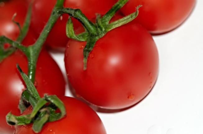 O licopeno presente no tomante ajuda reduzir o colesterol